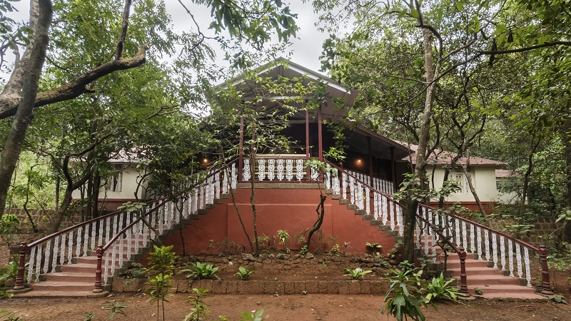 the-parsi-manor-a-130-year-old-heritage-bungalow-in-matheran