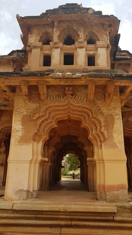Lotus Mahal - Such intricate work on the arches